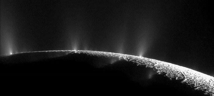 土卫二上的热喷泉
